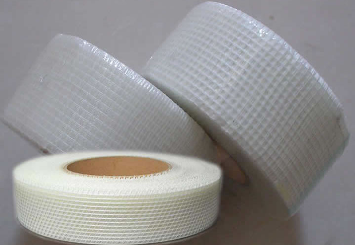 Non-alkali fiberglass mesh tape rolls used as building materials.